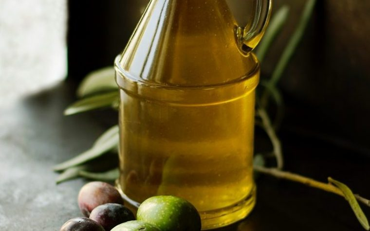 Olive Oil May Lower Heart Disease Risk in Fibromyalgia Patients